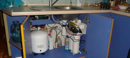 Какой фильтр для воды выбрать под мойку: выбираем по критериям