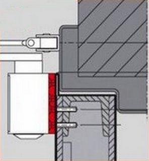 Конструкция двери не позволяет разместить полностью корпус доводчика