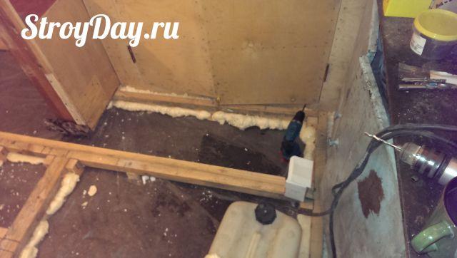 Устанавливаем бруски по всей поверхности гаража