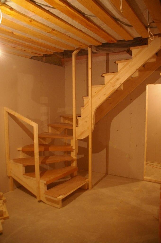 Сделать лестницу на второй этаж дачного домика своими руками 144