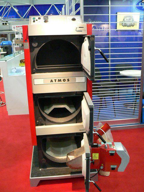 Универсальность системе отопления придаст комбинированный котел, работающий на разных видах топлива