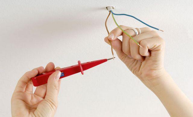 Проверка фаз на кабеле, выходящем из потолка