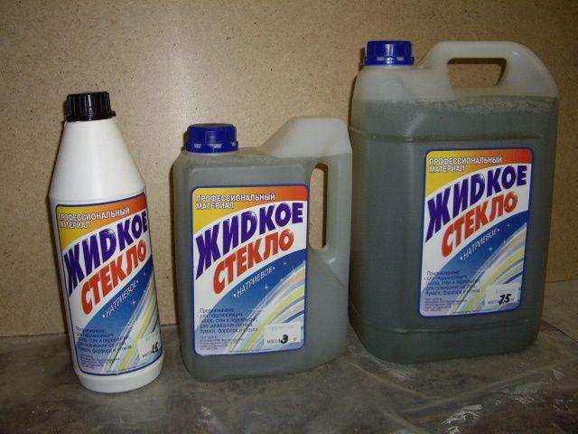"""""""Жидкое стекло"""" - ускоряет застывание раствора, но повышает хрупкость изделий"""