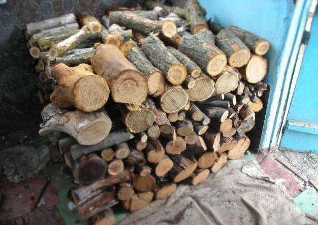 Какими дровами лучше топить печь: выбираем лучшие породы для топления печи в доме7