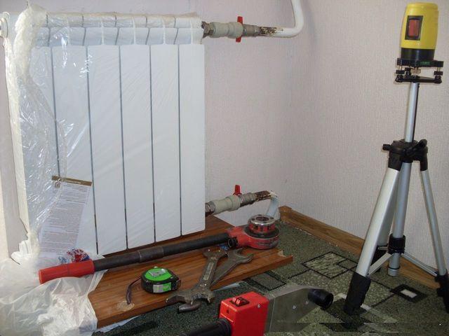 Инструменты для монтажа радиаторов отопления