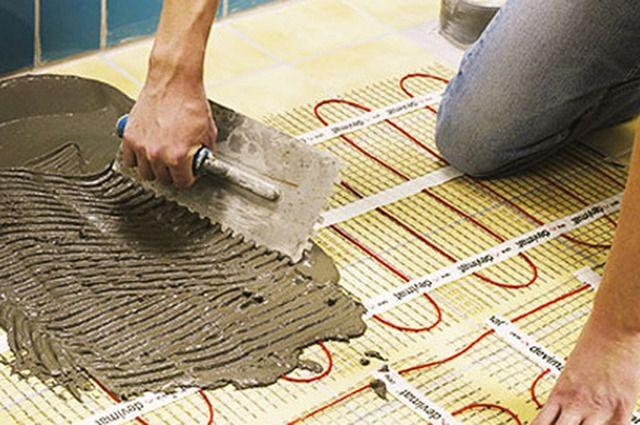 На сетчатые обогревательные электрические маты можно сразу укладывать керамическую плитку