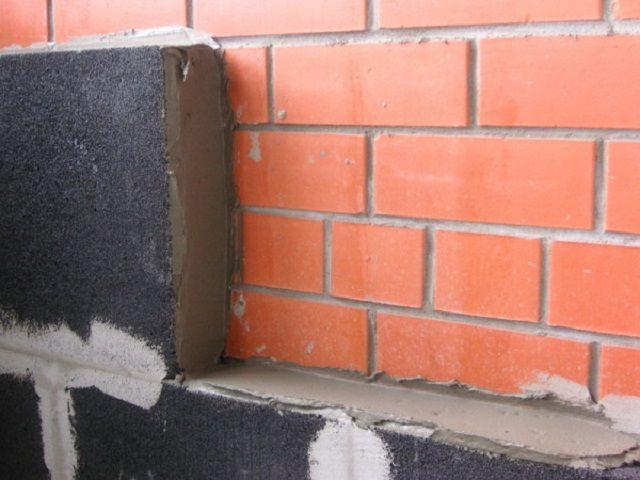 Блоки пеностекла применяются для термоизоляции стен дома