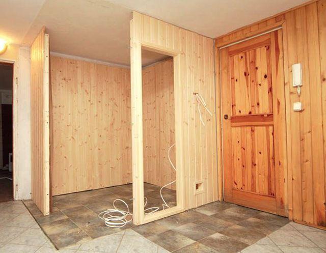 Сауну удобно расположить в имеющемся углу повального помещения - две стенки уже готовы