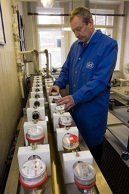 Счетчики подлежат периодической поверке в лабораторных условиях
