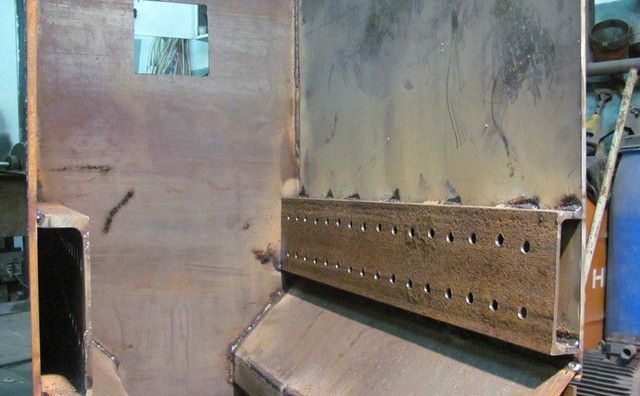 Задняя стенка камеры газификации