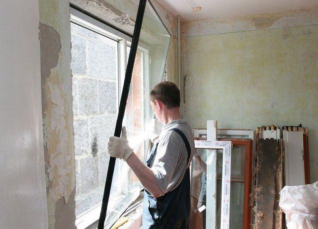 Качество окна - это не только проверенные материалы, но и профессионализм мастеров фирмы, занимающейся его сборкой и установкой