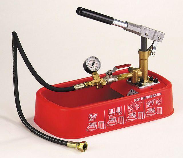 Опрессовщиком удобно проверять герметичность гидравлических систем