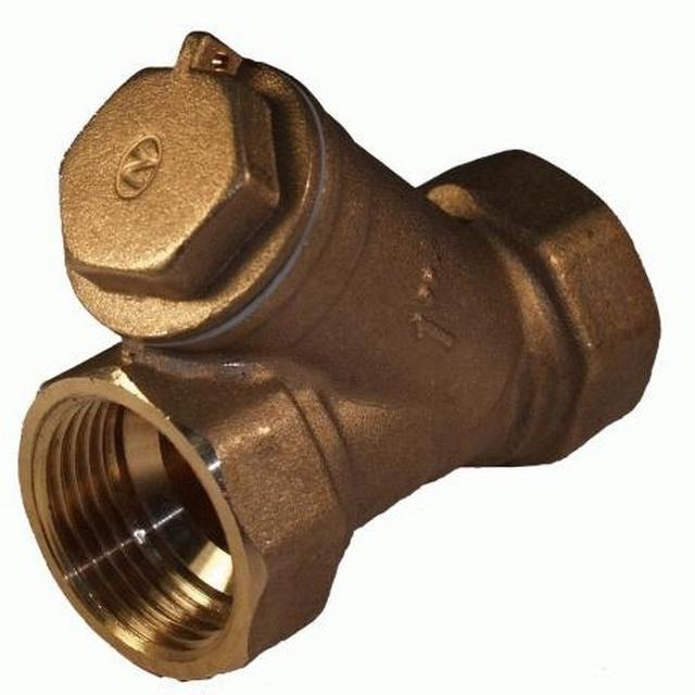 Обязательный элемент - сетчатый фильтр механической очистки воды от крупных включений