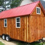 Заключительная наружная отделка дома производится сайдингом или деревянной вагонкой