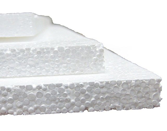 Вспененный полистирол (пенопласт) - недорогой и достаточно эффективный термоизолятор