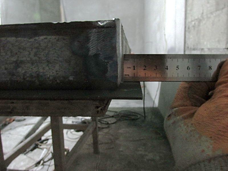 Привариваем к получившейся дверной раме лист металла