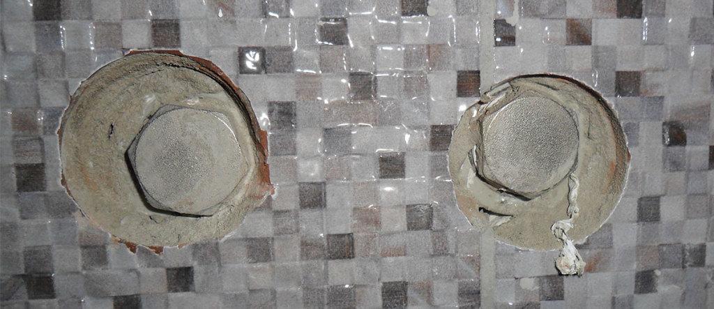 В стене замурованы заглушенные МРВ (Муфта с Резьбой Внутренней)