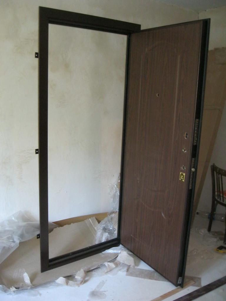 Дверь перед установкой