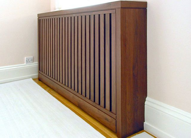 Деревянная решетка - вещь хорошая, если сверху она не закрыта сплошной полкой