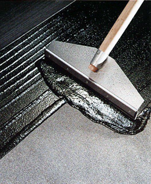 Хорошие результаты дает использование полимерно-битумных мастик
