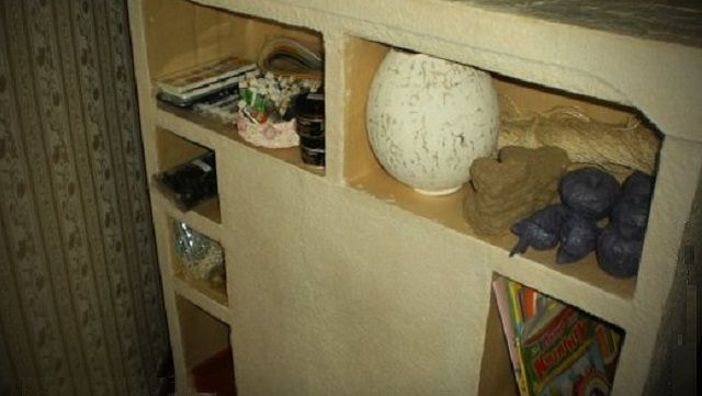 Полочки могут стать удобных местом хранения всякой мелочевки