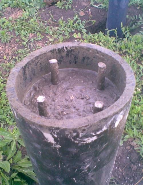 Залитый в трубу бетон