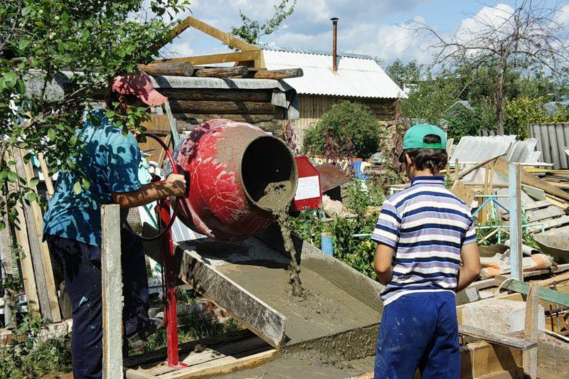 Изготовление бетона в бетономешалке
