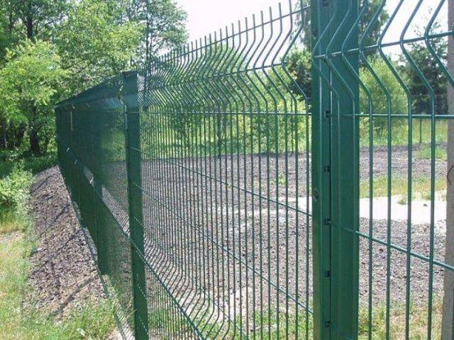Легкий решетчатый металлический забор
