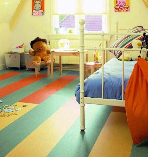 Натуральный линолеум особо хорош для детских комнат и спален