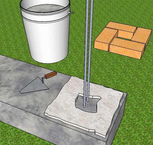 Первый слой раствора делаем потолще, чтобы компенсировать возможные неровности фундамента