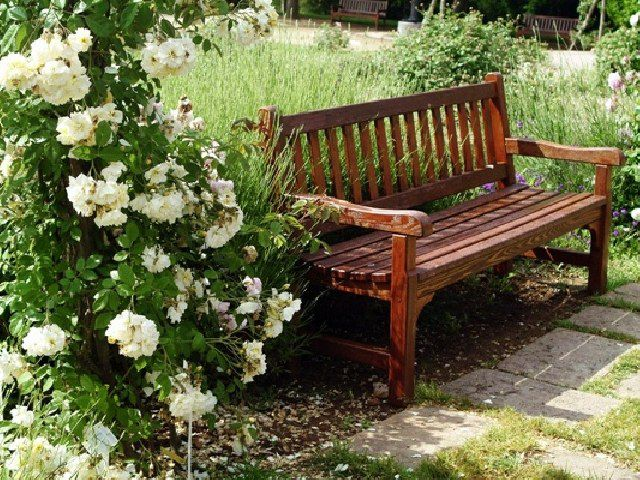 Садовая скамейка своими руками: используем чертежи для изготовления скамейки из дерева