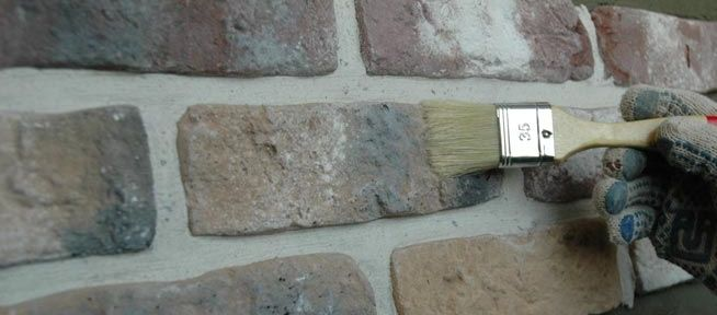 Избавиться от светлых пятен поможет краска