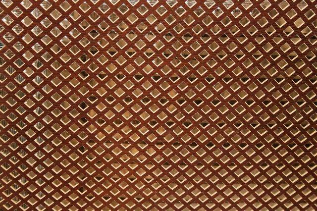 Оригинальные отделочные решетки - не препятствие для инфракрасного потока энергии