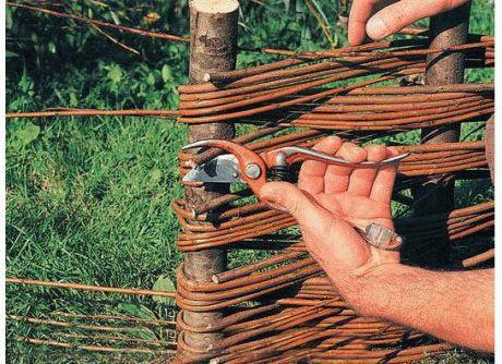Как сделать плетень