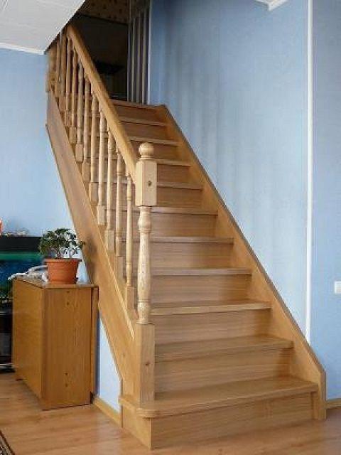 Очень симпатичная, несложная одномаршевая лестница