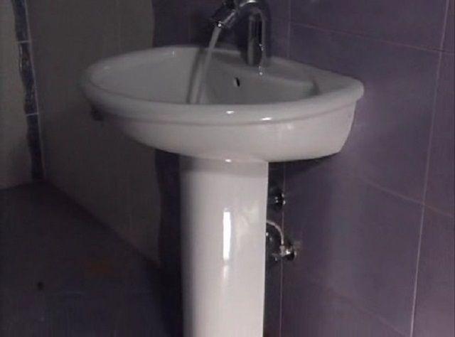После сборки - обязательная проверка проливом большого количества воды