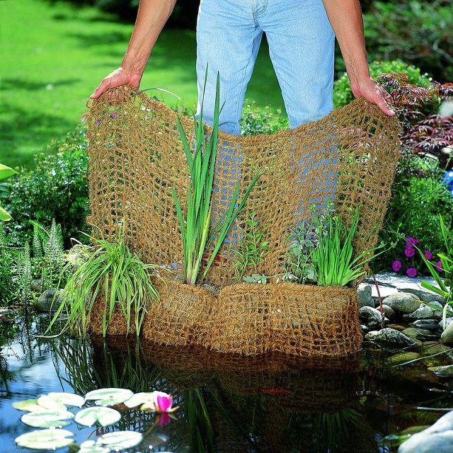 Оригинальный способ размещения водных растений - полотно с карманами