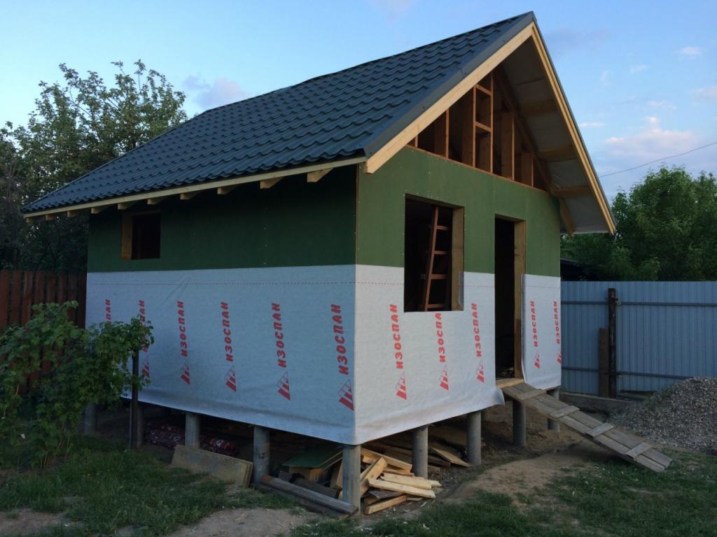 Зеленые плиты - Изоплаат, паропроницаемые. Крыша - металлочерепица Pural Matt
