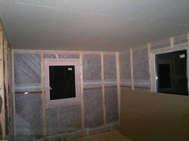 Стены перед окончательной облицовкой вагонкой или гипсокартоном