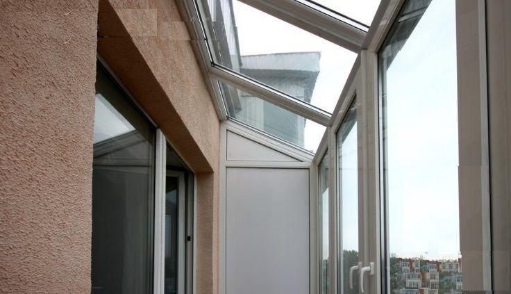 Остекление с зависимой прозрачной крышей