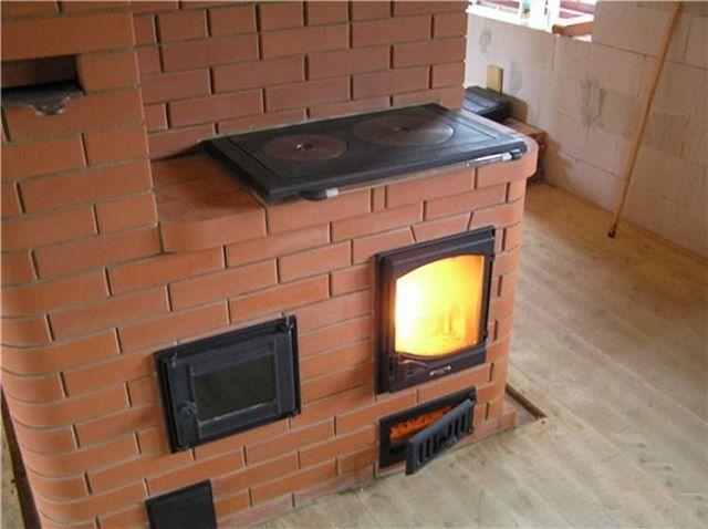 Эта печь придумана для активного кухонного использования