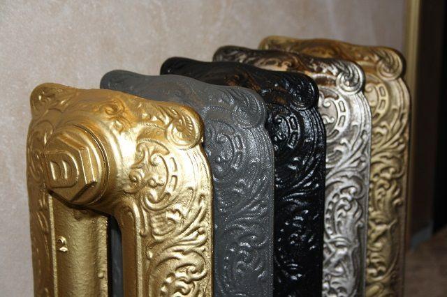 Современные чугунные батареи, выполненные в ретро-стиле, зачастую становятся украшением помещения