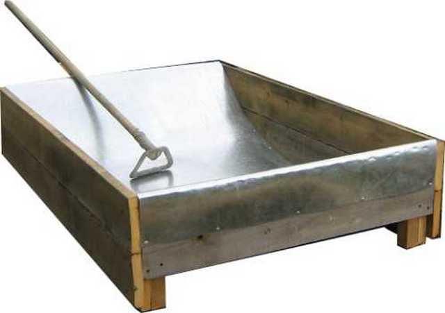 Самодельная емкость-корыто для замешивания бетонного раствора
