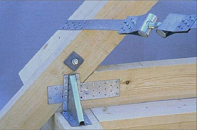Один из вариантов крепления стропильной ноги