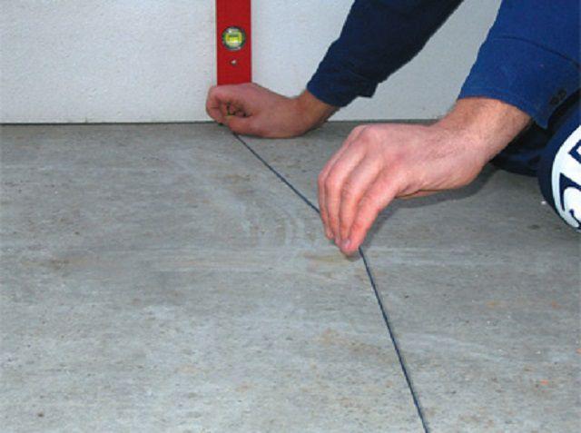 Отбивка линии на полу