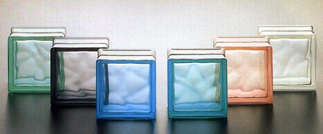 Очень интересное интерьерное решение - перегородка из стеклоблоков