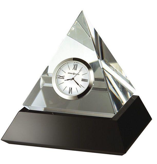 Часы-будильник пирамидальной формы способствуют накоплению положительной энергии