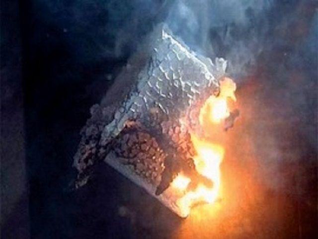 Пенопласт небезопасен с точки зрения возгораемости и токсичного дымообразования