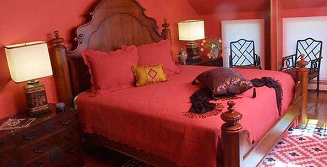 Красный цвет для спальни - крайне неудачное решение