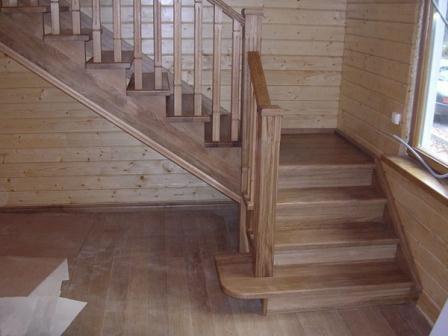 Облицовка древесиной бетонный лестницы